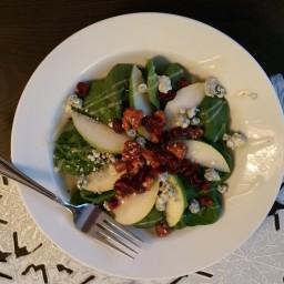 Easy Spinach Pear & Gongonzola Salad
