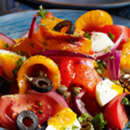 Egg and roasted bell pepper salad