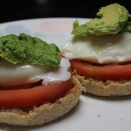 egg-tomato-avocado-delight.jpg