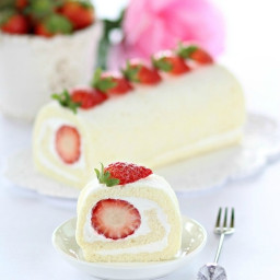 Egg White Roll Cake 蛋白蛋糕卷 {Cookbook Giveaway}