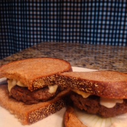 Emerils Horseradish-Garlic Burgers