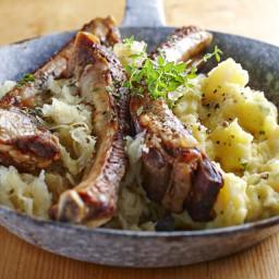 Fall-Off-The-Bone Pork Ribs with Sauerkraut