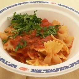 Farfalle with Fresh Tomato & Basil Sauce