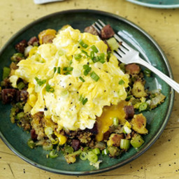 farmers-muffin-stuffin-hash-and-eggs-2373766.jpg