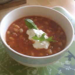 Fassoulada (greek bean soup)