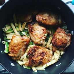 Fast Food Friday - One Pot Garlic Chicken Thighs with Broccoli