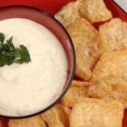Fat Fast Pork Rinds With Sour Cream Dip