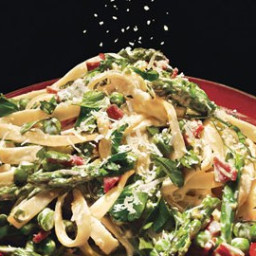Fettuccine with Peas, Asparagus, and Pancetta
