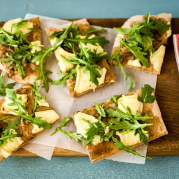 Fig & Brie Flatbread with Thyme-Caramelized Onions and Balsamic-Arugula Sal