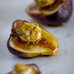 Fig, Pistachio and Honey Goat Cheese Bites
