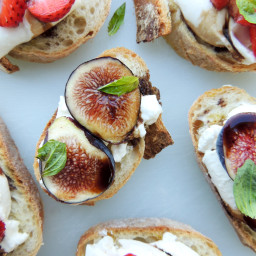 Figs and Strawberries with Burrata on Baguette