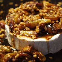 Figs and Toasted Almonds Brie
