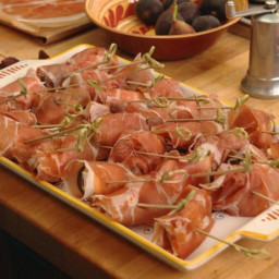 Figs Wrapped in Prosciutto with Gorgonzola and Brie