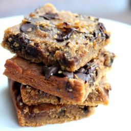 Flourless Chocolate Chip Chickpea Blondies with Sea Salt {vegan, gluten-fre