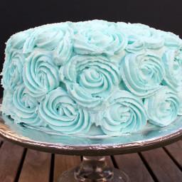 Fluffy White Cake with Vanilla Buttercream