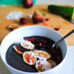 Fresh Fig and Cherry Smoothie Bowl