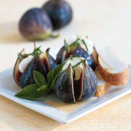 Fresh Figs with Mascarpone, Mint and Italian Honey