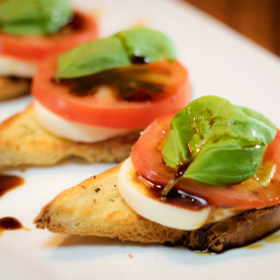 Fresh Garlic Bread Caprese