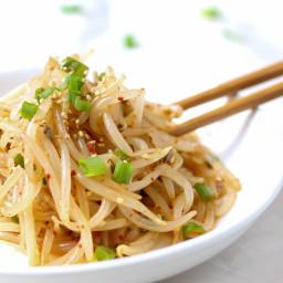 fresh Korean bean sprout salad