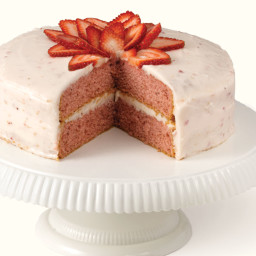 Fresh Strawberry Cake with Strawberry Cream Cheese Frosting