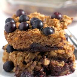 Fruit-on-the-Bottom Baked Oatmeal {no added sugar}