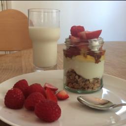 fruity-breakfast-parfait-5bf6d9.jpg