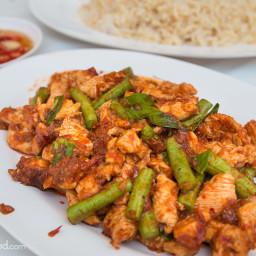 Gai Pad Prik Gaeng Recipe (ไก่ผัดพริกแกง)