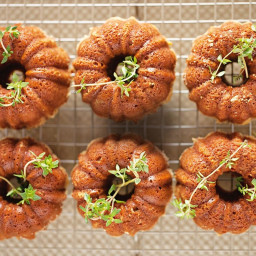 Garden olive oil cakes