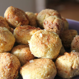Garlic and Pesto Dough Balls (Gluten Free and Low Carb)