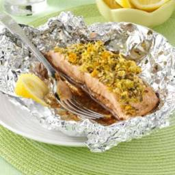 Garlic-Ginger Salmon Packets Recipe
