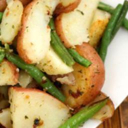 Garlic Herb Roasted Potatoes & Green Beans
