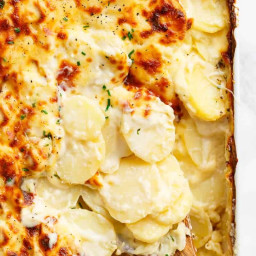 Garlic Parmesan Scalloped Potatoes