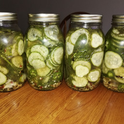 Garlicky Pickled Cucumbers in Vinegar Brine