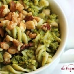 Garlic Kale Pesto Pasta
