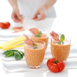 Gazpacho tradicional con crujiente de jamón