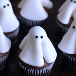 ghost-cupcakes-1819917.jpg