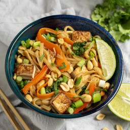 Ginger Marinated Tofu Noodle Bowl with Spinach, Carrot & Peanuts
