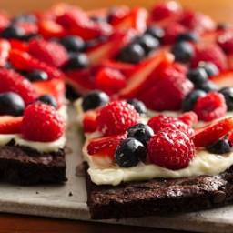 Gluten-Free Brownie and Berries Dessert Pizza