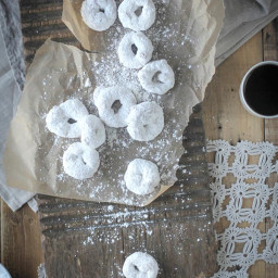 Gluten Free Vanilla and Powdered Sugar Donuts