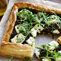 Goats' cheese and onion tart