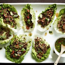 Gordon Ramsay's chilli beef lettuce wraps