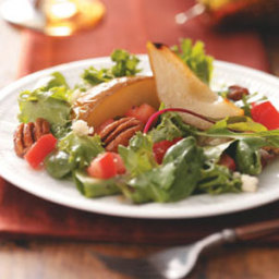 Gorgonzola Pear Tossed Salad Recipe