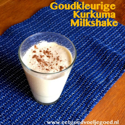 goudkleurige-kurkuma-milkshake-1968450.jpg