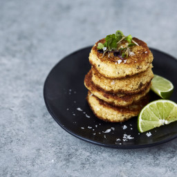 Grain-free Spicy Cauliflower Fritters with Chipotle Lime Aioli