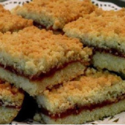 Grated Biscuits with Jam