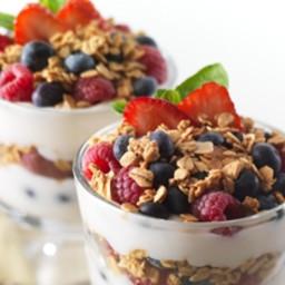 Greek Yogurt, Granola & Fruit