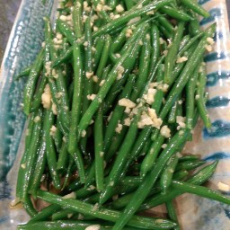 Green Beans with Garlic and Smoked Olive Oil