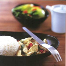 Green chicken and basil curry