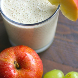Green Grape, Apple, and Cinnamon Smoothies