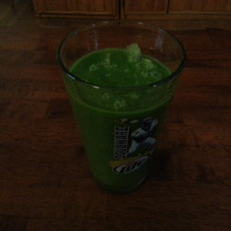 Green Smoothie 2 ( Kale + Kiwi Lime )